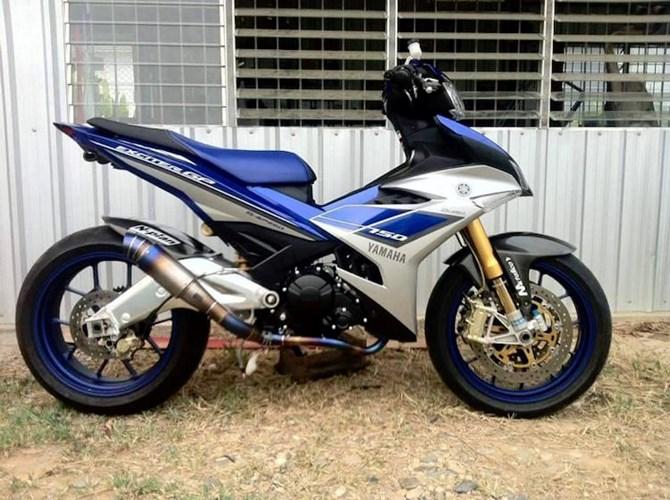 [Hình: 20160429-yamaha-exciter-150-do-do-choi-k...moto-8.jpg]