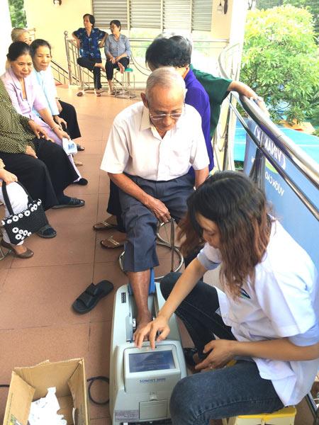 Vinamilk chăm sóc người cao tuổi Bình Thuận - 6