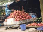 Ra đến Hà Nội, thanh long ruột đỏ đắt gấp 30 lần