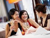 Phụ nữ thế hệ 8X: Tạo dựng nền tảng tài chính vững vàng.
