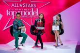 """Thời trang ghế nóng thất thường của giám khảo Vietnam""""s Next Top Model"""