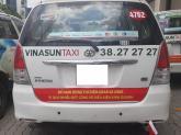 """Taxi """"đại chiến"""": Trách nhiệm thuộc về ai?"""