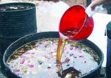 Rúng động:Thuốc kháng sinh Trung Quốc chế từ dầu bẩn
