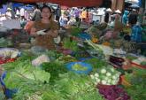 Đi chợ: Rau già mà lại đắt
