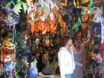 Lễ hội Halloween: Cảnh giác với đồ chơi nhiễm độc