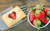 Hướng dẫn làm bánh Pop tart dâu tây ngọt lịm tỏ tình