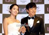 Những cặp tình nhân đáng tuổi 'chú - cháu' trong showbiz Hàn