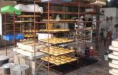 Phát hiện cơ sở dùng hóa chất 'lạ' làm bánh trung thu