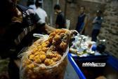 Cận cảnh quá trình sản xuất bánh Trung thu bẩn ở Trung Quốc