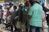 Người Đà Nẵng mua gì đón bão Haiyan?