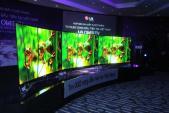 TV OLED cong đầu tiên về VN có giá 250 triệu đồng