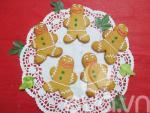 Làm bánh quy gừng mừng Giáng sinh