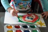 Thu hồi màu nước trẻ em gây thiểu năng
