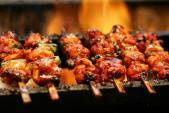 Thịt nướng tẩm hóa chất bán đắt hàng nơi vỉa hè
