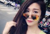 Hot girl Việt xinh lung linh với kính phản quang