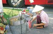 Rước bệnh vào người vì thức ăn đường phố