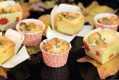 Bánh bông lan trứng muối - 'bé cưng' mới của teen ngày đông lạnh
