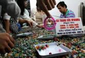 Đá trang sức 4.000 đồng/viên hút khách Sài Gòn