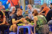 8 lý do tuyệt vời để đi chơi cuối tuần ở tuyến phố đi bộ Hồ Gươm