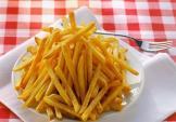 Mẹo hay để chiên khoai tây luôn vàng đều