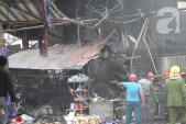 Hà Nội: Cháy chợ Nhật Tân, cột khói khổng lồ bao trùm khu dân cư