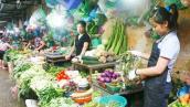 Xăng giảm, giá thực phẩm vẫn cao