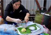 Xôi xéo Hàng Bài - Gánh xôi vỉa hè của những người Hà Nội