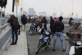 Dừng, đỗ chụp ảnh trên cầu Nhật Tân sẽ bị xử phạt nghiêm