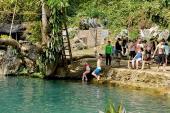 Khám phá hồ tự nhiên đẹp như mơ ở Lào