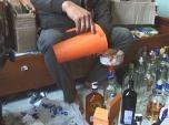 Nước ngọt hóa chất, rượu ngoại ve chai hoành hành thị trường Tết