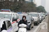 Người đổ ra đường sắm Tết, về quê, Hà Nội kẹt cứng trên nhiều tuyến phố