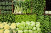 Những cách loại thuốc trừ sâu ra khỏi rau quả trước khi ăn