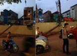 Hà Nội: Cột thép tại đường sắt nội đô bị rơi, nhiều người suýt gặp nạn