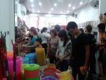 Cửa hàng giá 10.000 đồng ở Hà Nội rủ nhau đóng cửa