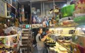 Phố đi bộ Nguyễn Huệ: Nơi buôn bán ế ẩm, chỗ đông nghẹt khách mua