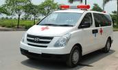 Hà Nội: Xe cứu thương gặp nạn trong đêm, 5 người thương vong
