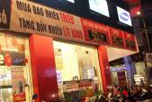 Bán bảo hiểm, điện thoại khuyến mại kèm xăng ở Sài Gòn