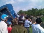 Cố băng qua đường sắt, xe tải bị tàu đâm trực diện tài xế tử vong tại chỗ