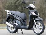 Xe máy SH vỡ vụn máy, Honda Việt Nam bảo do người dùng!
