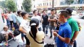 Dân buôn Việt, Trung tranh iPhone 6 trên đất Singapore