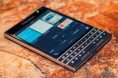BlackBerry Passport hình vuông giá 12,6 triệu đồng