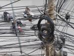 """Hà Nội dẹp """"mạng nhện"""": Nhà mạng than ảnh hưởng chất lượng dịch vụ"""