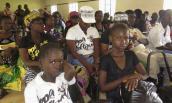 Mắc Ebola, trẻ con dễ sống sót hơn người lớn