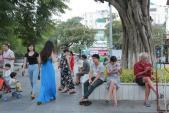 Người Hà Nội thích thú đón rét ngọt đầu đông