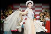 Đặng Thu Thảo tung bay áo dài 5 tỷ đồng tại Nhật