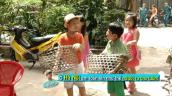 Con Phan Anh, Trần Lực gõ cửa từng nhà xin ăn