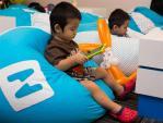 """Trẻ mê đồ công nghệ: cha mẹ nên 'vẽ đường cho hươu chạy"""" đúng"""