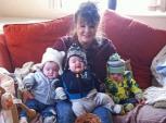 Bà mẹ uống thuốc tránh thai vẫn sinh 3 khác trứng