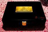 Ngắm Blackberry Passport vàng nguyên khối