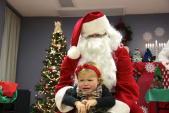 Khi trẻ con... sợ ông già Noel